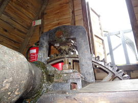 Winding gear and tail bearing of windshaft, Melin Llynon, Llanddeusant