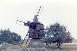 Post mill (at Kalla?) on island of Oland, Sweden, summer 1974