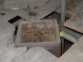 Coupling of upright shaft (top section removed), Sneath's Mill, Lutton Gowts