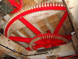 Great spur wheel and secondary cog ring, Cattell's smock mill, Willingham