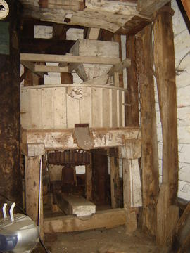 Hurst frame and right stones/stone nut, post mill, Madingley