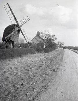 Post mill, Old Weston