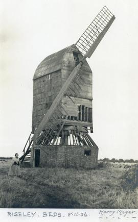 Post mill, Riseley
