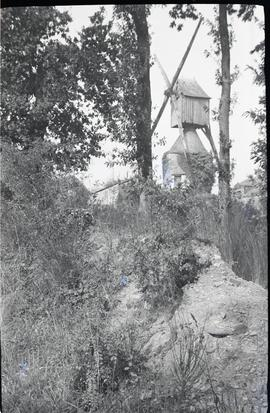 """Avrille, hollow post mill"""