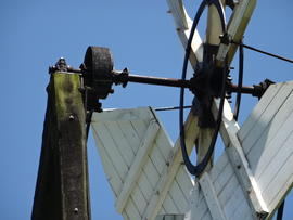 Fantail gearing, tower mill, Wilton