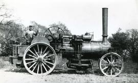 A steam portable traction engine