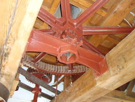 Great spur wheel, stone nut and iron bridge beam for upright shaft, Stone Cross Mill, Westham