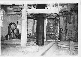 Rowde Mill, Rowde, internal, crown wheel and stones