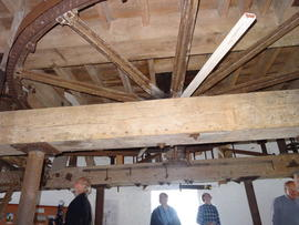 Great spur wheel and upright shaft support frame, tower mill, Old Buckenham