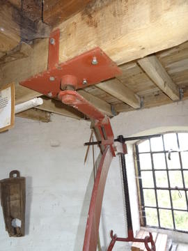 Mounting of stone crane, tower mill, Quainton