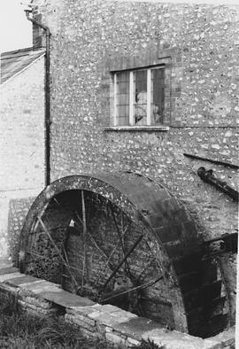 White Luckington Mill, Luckington, wheel