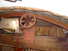 Cap frame, curb and truck wheel, tower mill, Great Bircham
