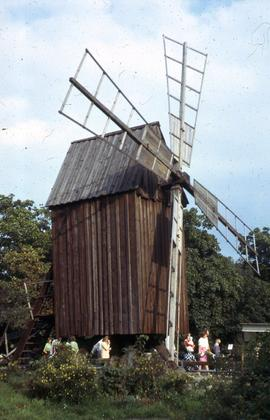 """Skansen Post Mill"""