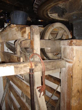 Sack hoist and support frame, Subscription Mill, North Leverton