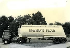 Bowman's flour delivery tanker, Hitchin