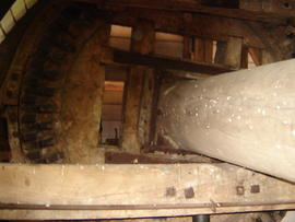 Windshaft and brakewheel, post mill, Madingley