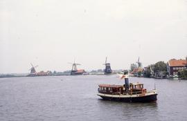 """Zaan mills and steam boat"""