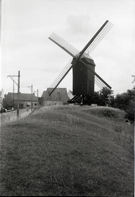 """Post mill at Oosthoek E of Knocke"""