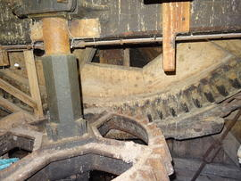 Brakewheel and wallower, New Mill, Cross in Hand