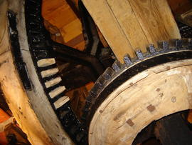Brakewheel and wallower, smock mill, West Blatchington