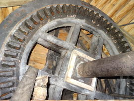 Brakewheel and windshaft, smock mill, Herringfleet