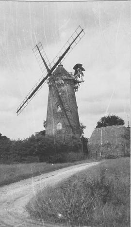 Wray Common Tower Mill, Wray Common, four false sails, now a residence