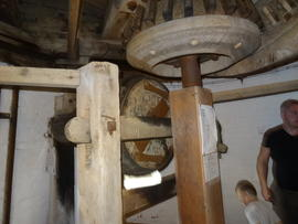 Wallower and sack hoist, tower mill, Stock