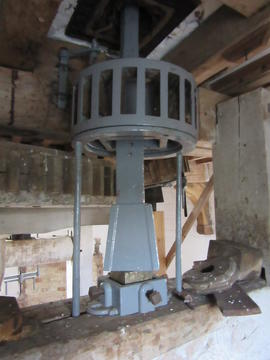 Wind stone nut, Combined Mill, Little Cressingham