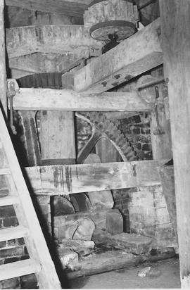 Duncton Mill, Duncton, internal, pit wheel, wallower, upright shaft