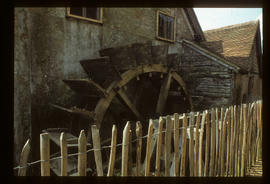 Waterwheel, side view, Mapledurham Mill, Mapledurham, Berkshire