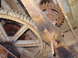 Great spur wheel, bridgetree and right-hand head stone nut, New Mill, Cross in Hand