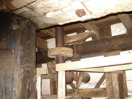 Upright shaft and governor, post mill, Madingley