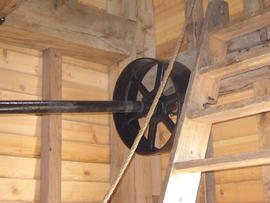 Auxiliary drive layshaft and pulley, post mill, Chillenden