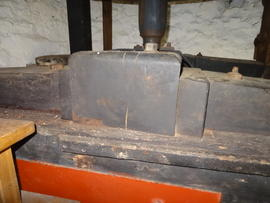 Upright shaft, bridge beam and footstep bearing, Sark Mill, Sark