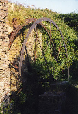 Trebarwith Farm, Tintagel - waterwheel - remote drive