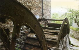 Ridgegrove grain mill waterwheels, Launceston