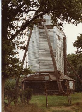 Post mill (Oldland Mill) under repair, Keymer, Sussex