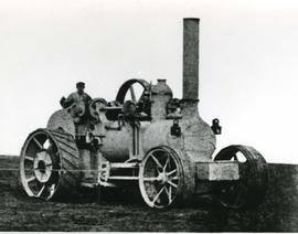 Agricultural steam traction engine
