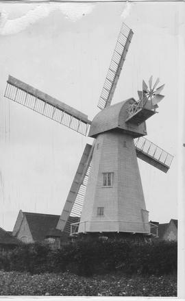 Chailey Smock Mill, Chailey, four common sails, fantail