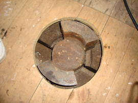 Dog clutch in upright shaft, High Street Mill, Wicklewood