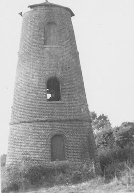 Owlsbury Tower Mill, Owlesbury, sails gone