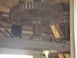 Tail great spur wheel and bridgetree, post mill, Ramsey