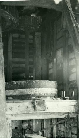 Post mill, Carlton le Moorland, Lincs, interior