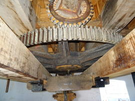 Great spur wheel, bridge beam and sack hoist/machine drive, Melin Llynon, Llanddeusant