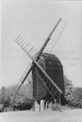 Nutley Post Mill, Nutley, open footed, false sails, front