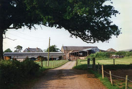 Blagrove farm, Hillcommon - waterwheel with long drive to barns was here