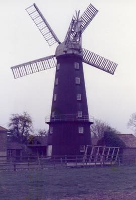 Tower mill (Hoyles' Mill), Alford, Lincolnshire