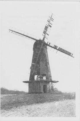 Almer's Smock Mill, Ockley, derelict, four sails