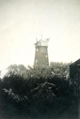 Tower mill, Kirton End