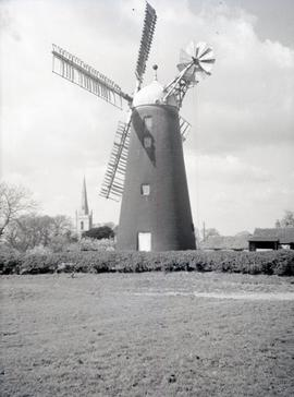 Tower mill, Waltham on the Wolds